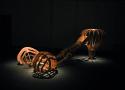 Obra de Angelo Venosa - Sem título, 2018 Madeira - Wood - 320 × 120 × 130 cm - credito Felipe Amarelo– Claraboia Imagens